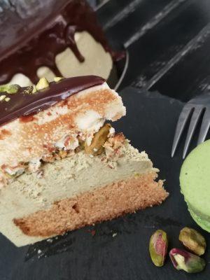Pisztácia és fehércsoki mousse torta