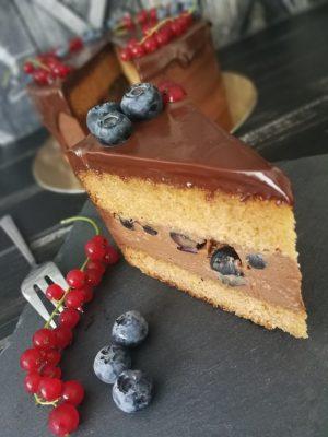 Narancsos nutellás áfonyás torta